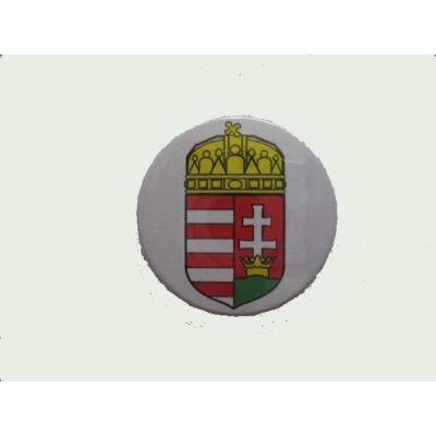 Kitűző címeres